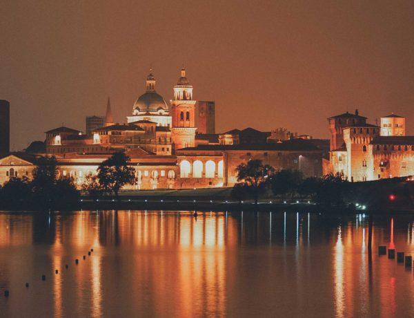 Mantua bei Nacht - Reiseführer und Reisetipps
