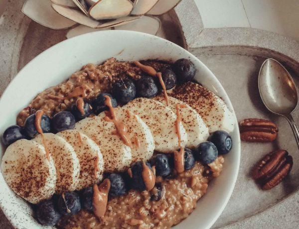 Porridge mit Chai-Gewürzen