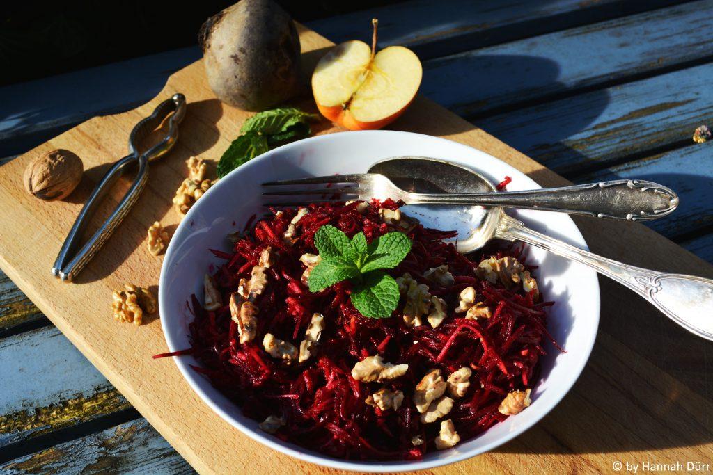 rote beete salat mit apfel und waln ssen spirit of traveling. Black Bedroom Furniture Sets. Home Design Ideas