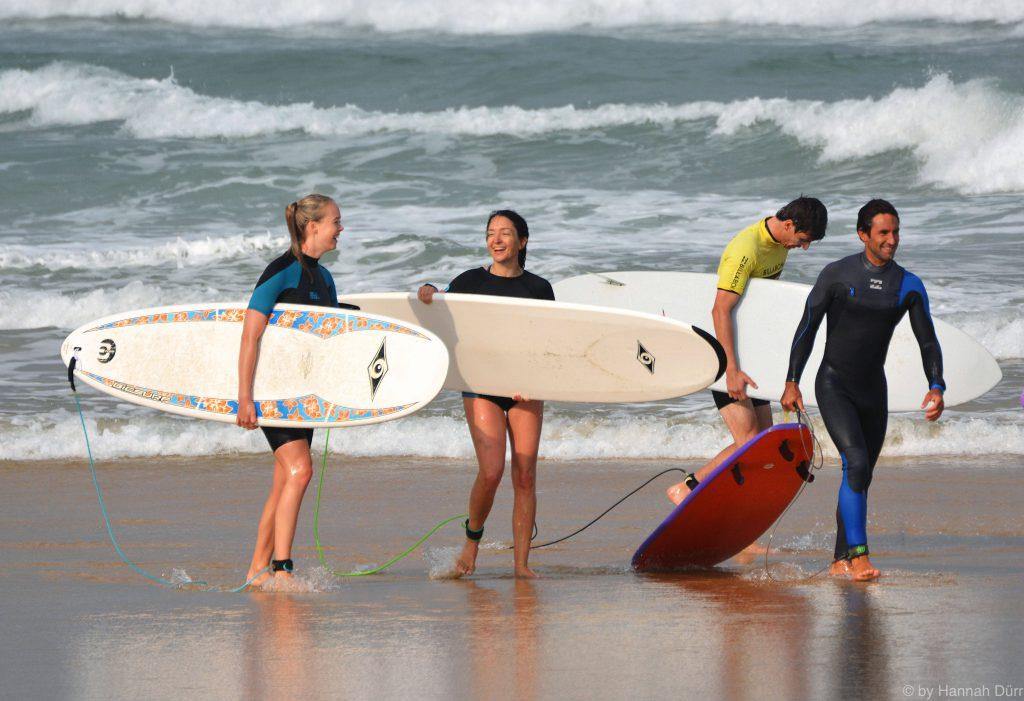 natural surf lodge surf school happy surfer