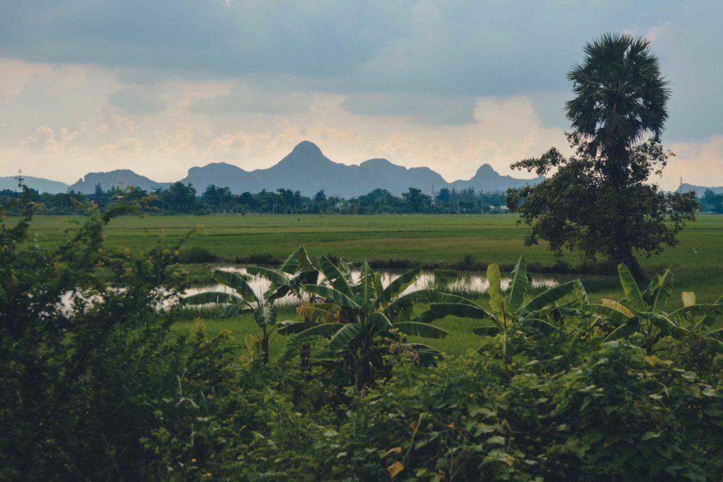 Zugfahrt von Kanchanaburi nach Phetchaburi