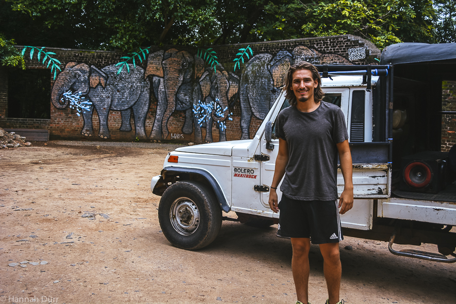 Jeep Elefantensafari im Kaudulla Nationalpark in Sri Lanka