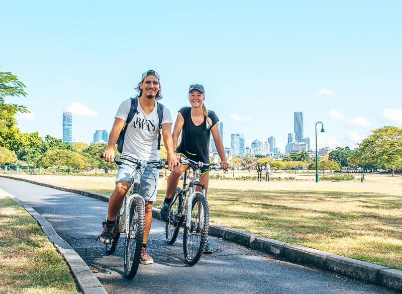 Hannah und Adrian in Brisbane auf Fahrradtour