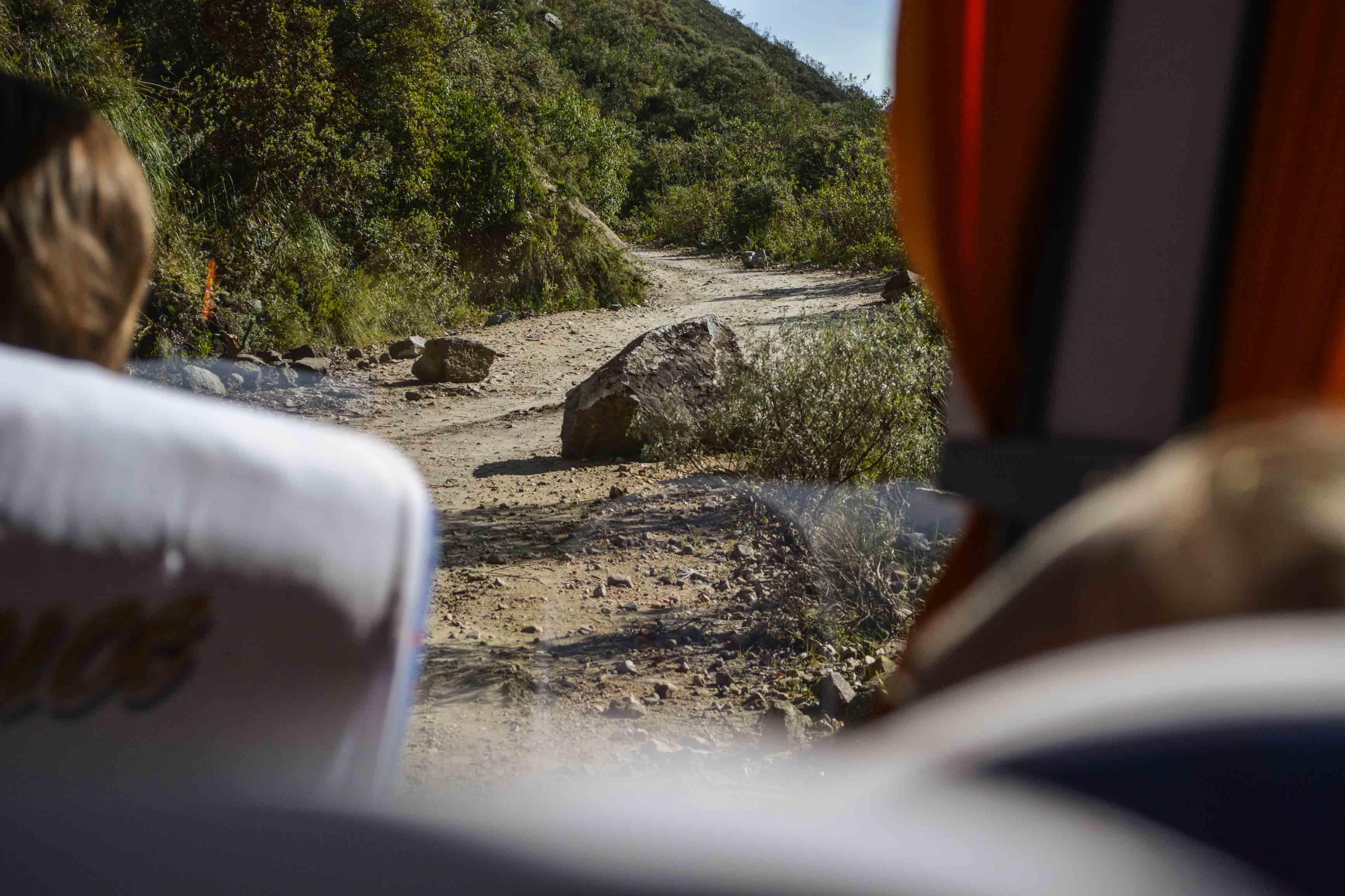 Steinschlag auf der Straße in den Anden, Peru