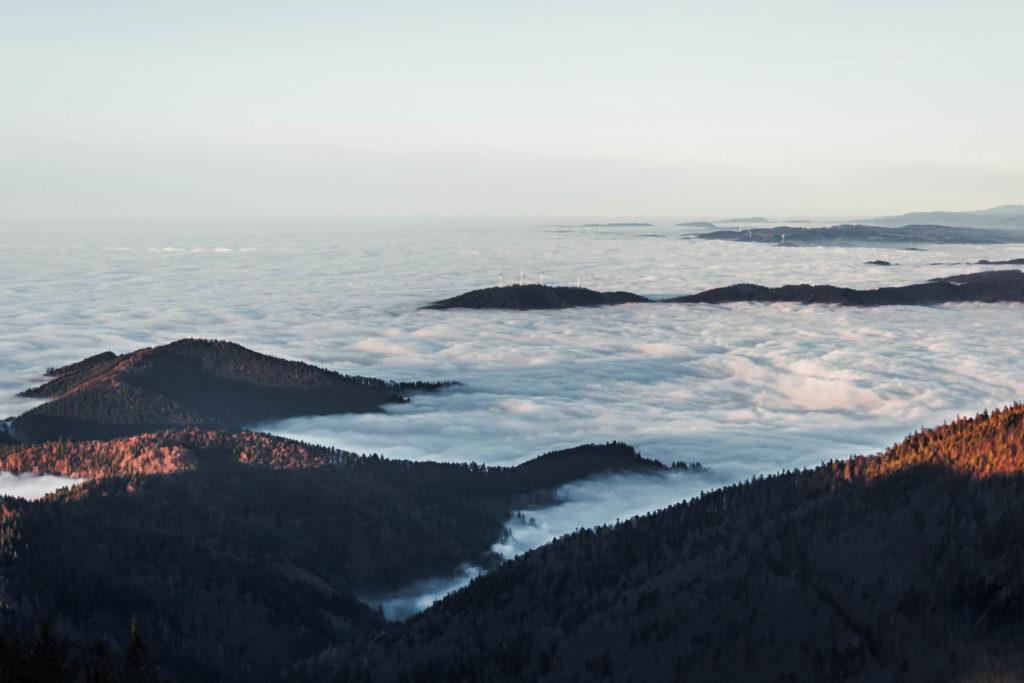 Bild: mein Umgang mit Stress. Ausflug auf den Schauinsland mit Aussicht auf den Hochnebel