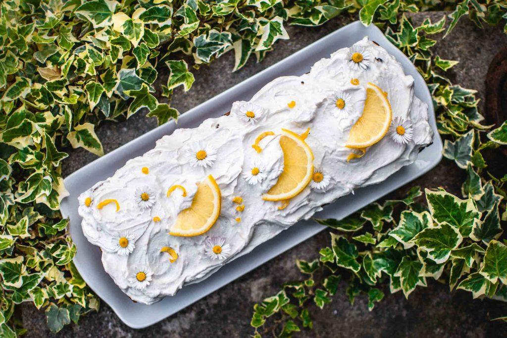 Veganer Rüblikuchen gesund mit Frosting