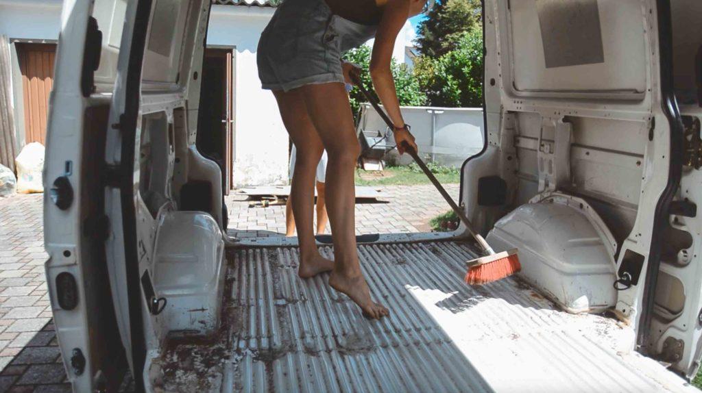 1. reinigung und rostentfernung campervan4